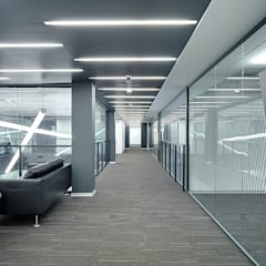 Edificios de Oficinas de estilo  por Light and Design
