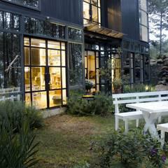 thiết kế biệt thự nghỉ dưỡng dalat:  Vườn by thiết kế khách sạn hiện đại CEEB, Hiện đại