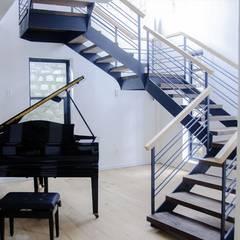 thiết kế biệt thự nghỉ dưỡng dalat:  Cầu thang by thiết kế khách sạn hiện đại CEEB
