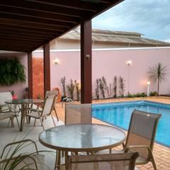 Balcón de estilo  por Fase1 Arquitetura e Design,