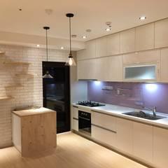 貓咪步道與生活的完美結合 打造優質的居住環境:  廚房 by 捷士空間設計(省錢裝潢),