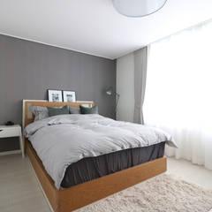 Bedroom by 스튜디오쏭 (STUDIO SSONG), Modern