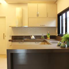 Módulos de cocina de estilo  de Arquiteta Bianca Monteiro