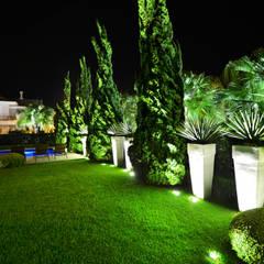 حديقة تنفيذ Vila Verde Paisagismo, حداثي