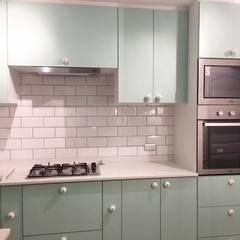 Small kitchens by R-Innovare / Diseño de interiores y Arquitectura / Santiago y Viña del mar