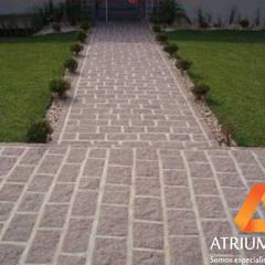 Calçamento com Folheta por Atrium Vale Pedras e Projetos Clássico Pedra