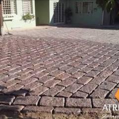 Cobertizos dobles  de estilo  por Atrium Vale Pedras e Projetos