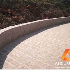Calçamento com Folheta por Atrium Vale Pedras e Projetos Clássico Granito