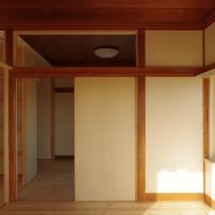 船橋の民家リノベーション: 建築mikanが手掛けた子供部屋です。,北欧