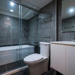 سرویس بهداشتی توسط富亞室內裝修設計工程有限公司, مدرن کاشی