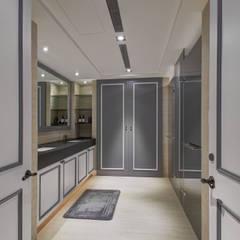 古典美學:  浴室 by 邑舍室內裝修設計工程有限公司