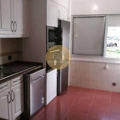 Apartamento T3 Benfica por EU LISBOA Minimalista