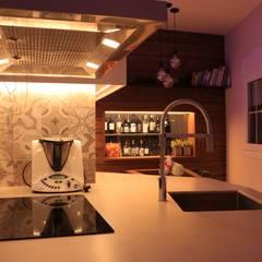 Projekty,  Małe kuchnie zaprojektowane przez estudijaumepla