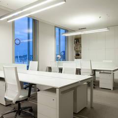 Escritórios - Ecadint Lx: Escritórios e Espaços de trabalho  por Scalline, Architects & Designers,Moderno