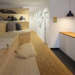 Projekty,  Biurowce zaprojektowane przez _WERKSTATT FÜR UNBESCHAFFBARES - Innenarchitektur aus Berlin, Skandynawski