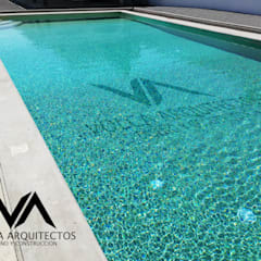 VOLCAARQUITECTOSが手掛けた家庭用プール, クラシック 鉄筋コンクリート