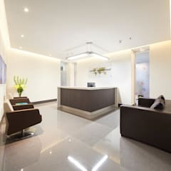 Oficinas Advent International: Pasillos y vestíbulos de estilo  por Sentido Interior Arquitectos,