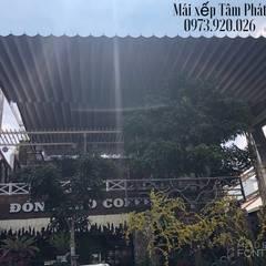 Balcón de estilo  por CÔNG TY TNHH CK XD TM DV TÂM PHÁT , Colonial Tablero DM