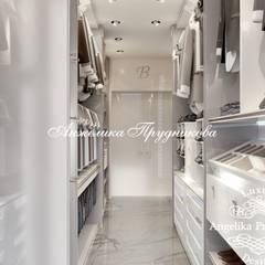Walk in closet de estilo  por Дизайн-студия элитных интерьеров Анжелики Прудниковой