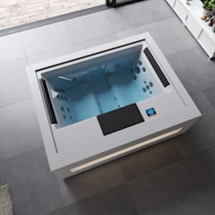 Hot tubs by Aquavia Spa, Modern