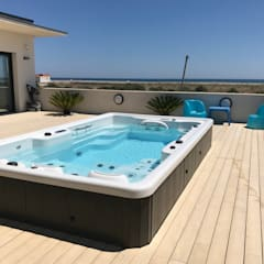 Hot tubs by Aquavia Spa,