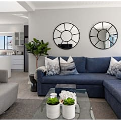 Beach House Living :  Living room by Joseph Avnon Interiors