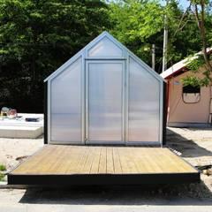 [모듈러 하우스]유닛 글램핑 3*6B: 더유닛의  조립식 주택