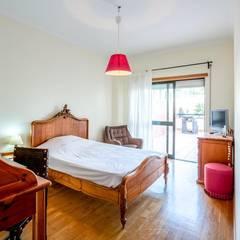 Apartamento T3 Algés - Lisboa Quartos clássicos por EU LISBOA Clássico