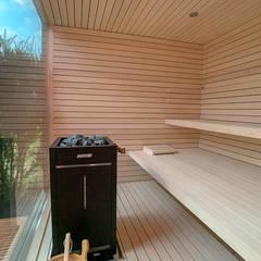 Saunas de estilo  de design@garten - Alfred Hart -  Design Gartenhaus und Balkonschraenke aus Augsburg, Minimalista Compuestos de madera y plástico