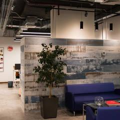 Oficina Minga Digital: Estudios y biblioteca de estilo  por Estudio Amani