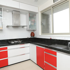 Mr.Kirit Dharia:  Built-in kitchens by hiren
