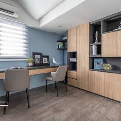 Ruang Kerja oleh 百玥空間設計, Modern Kayu Wood effect