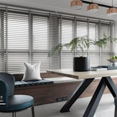 Shutters by 百玥空間設計, Eclectic Solid Wood Multicolored