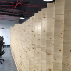 Design & Execução de Escritórios Lisboa : Escritórios  por No Place Like Home ®