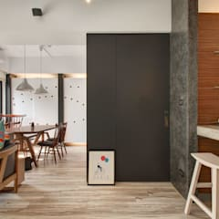 Corridor & hallway by 邑舍室內裝修設計工程有限公司, Asian