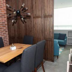 Salas / recibidores de estilo  por LEMONBE, Rústico