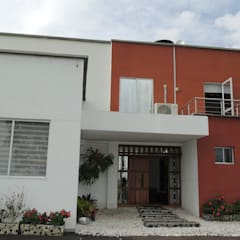 Rumah pedesaan by CIENTO ONCE INMOBILIARIA