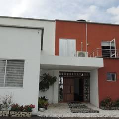 CASA PARA VENTA, SECTOR CERRITOS PEREIRA: Casas campestres de estilo  por CIENTO ONCE INMOBILIARIA