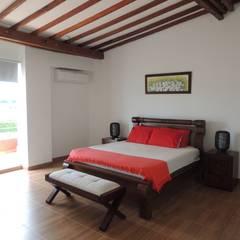 CASA PARA VENTA, SECTOR CERRITOS PEREIRA: Habitaciones de estilo  por CIENTO ONCE INMOBILIARIA,