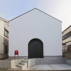 Casas pequeñas de estilo  por 石川淳建築設計事務所 , Minimalista