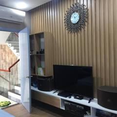Hoàn Thiện Nội Thất Dự Án Nhà Liền Kề Lovera Park Bình Chánh:  Phòng ngủ nhỏ by Công ty TNHH Thiết Kế Xây Dựng Song Phát