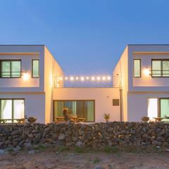 [제주도 귀덕리] 펜션형 전원주택: 한글주택(주)의  다가구 주택