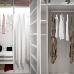 Дизайн 3-комнатной квартиры 90 кв. м в стиле неоклассика: Гардеробные в . Автор – ЕвроДом