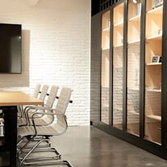 Office buildings by Gumuzio&MIGOYA arquitectura e interiorismo
