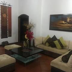 FINCA PARA VENTA , MORELIA RISARALDA: Salas de estilo  por CIENTO ONCE INMOBILIARIA, Rústico