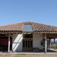 Reparación y Rehabilitación de Galpón en Toquihua por ALIWEN: Casas de estilo  por ALIWEN arquitectura & construcción sustentable - Santiago