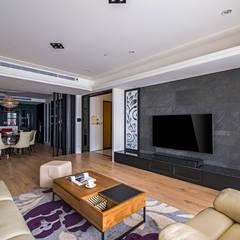 Paredes e pisos campestres por 富亞室內裝修設計工程有限公司 Campestre Ardósia