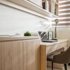 Estudios y oficinas de estilo  por 富亞室內裝修設計工程有限公司