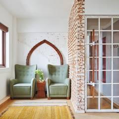 Oficinas y Tiendas de estilo  por Josmo Studio