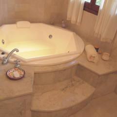Casa CM : Baños de estilo  por Luis Barberis Arquitectos,Clásico